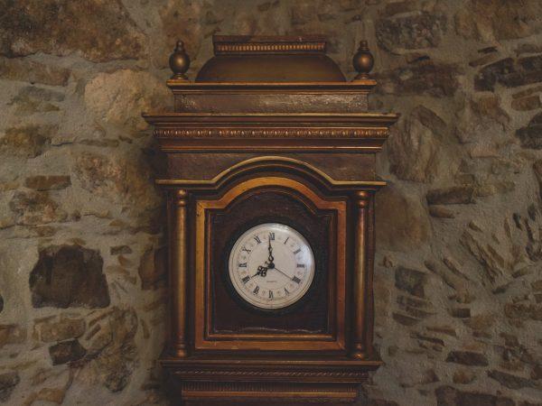Ročne lesene ure