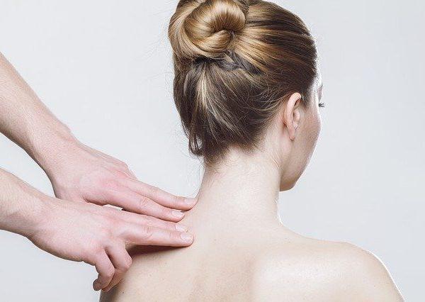 Kako nam lahko pomaga dermatolog?
